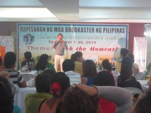 Si Jun Tagalog Nag-Speech
