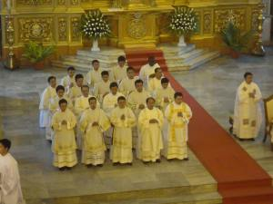 Chrism Mass at the Cebu Metropolitan Cathedral (Photo Credit: Rowena Capistrano)