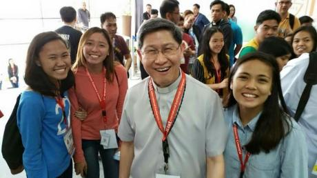 Our students  of the University of San Carlos AB Communications together with Cardinal Tagle (Photo Credit: Teresa Tan)
